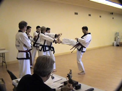 Master_Soma_Peet_kick_breaking_fs1_7
